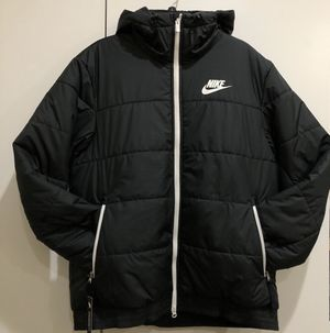 Nike Mens PUffer jacket ONLY size L or XL for Sale in Westminster, CA