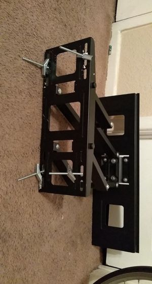 Monoprice full motion tv wall mount for Sale in Houston, TX