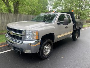 2009 Chevy Silverado 2500HD work truck Flat bed for Sale in Manchester, CT