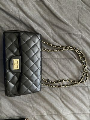 Black quilted bag purse for Sale in Des Plaines, IL