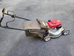 Honda HRR2166PDA Gas Push Mower Mint w Bag for Sale in Marlborough, MA