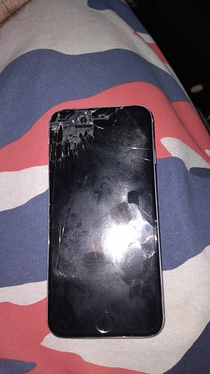 Iphone 6 cracked works great still unlocked for Sale in Muncie, IN