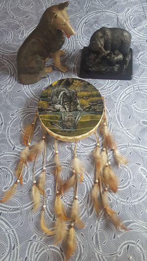 Assortment of Souvenir Decor for Sale in BRECKNRDG HLS, MO