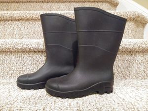 New Women's Size 7 / Men's Size 5 BLACK RAIN BOOT, Rugged Grip Bottom for Sale in Montclair, VA