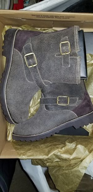 CHILDREN CLOTHING-UGG BOOTS UNISEX and girls SIZES 1 TO 5 for Sale in Oxnard, CA