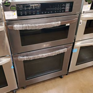 "LG 30"" Combination Wall Oven Black Stainless for Sale in El Monte, CA"