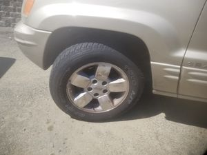 Jeep grand cherokee wheels and tires for Sale in Everett, WA