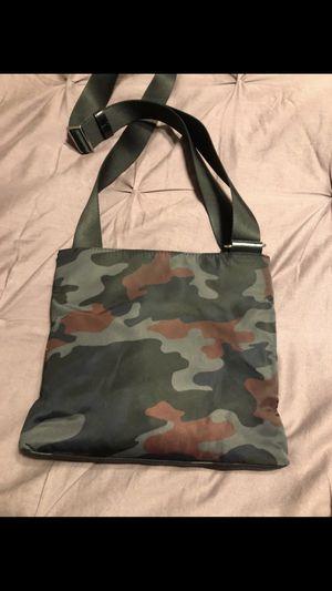 MICHAEL KORS MENS MESSENGER SHOULDER BAG for Sale in Buena Park, CA