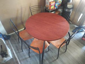 Kitchen table with 5 chairs for Sale in Clovis, CA