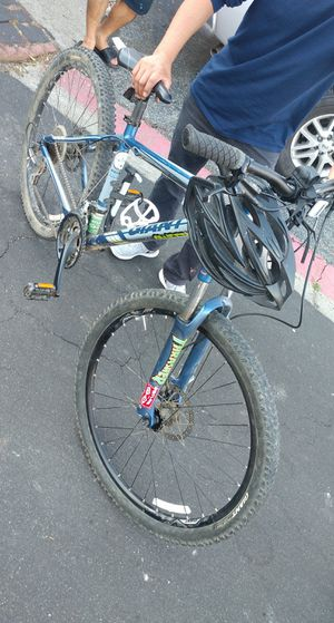 Giant mountain bike (offers accepted) for Sale in Hayward, CA