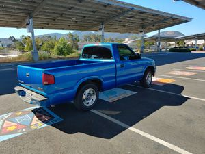 2000 GMC Sonoma pick up truck for Sale in Santee, CA