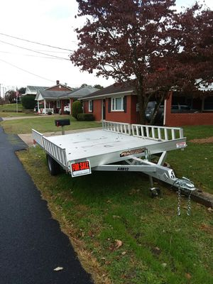 ALL ALUMINUM like new tralier for Sale in Luray, VA