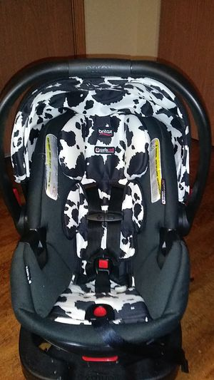Britax infant car seat..Camooflage color( cowprint) for Sale in Madison, WI