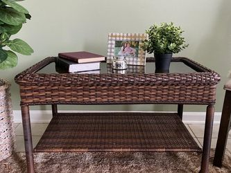 Indoor/Outdoor Wicker Coffee Table for Sale in Lexington,  KY