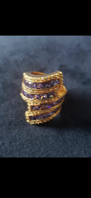 BEAUTIFUL VINTAGE RING! SZ 9!****(NOT REAL GOLD)*****!! for Sale in Delray Beach, FL