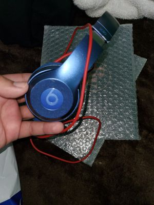 Beats solo 2 for Sale in Los Angeles, CA