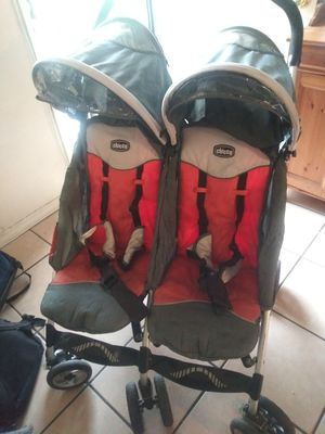 Chicco double stroller for Sale in Lynwood, CA