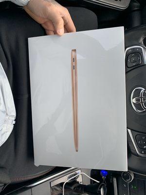 13 inc Mac book air apple 🍎 for Sale in Pawtucket, RI