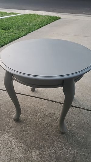 Light gray circle coffee table for Sale in Modesto, CA