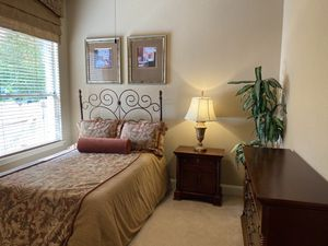 Full size Bedroom Set (Model Home Decor) for Sale in Cedar Park, TX