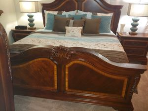 MOVING SALE: CALIFORNIA KING BRM SET INCLUDES for Sale in Tampa, FL