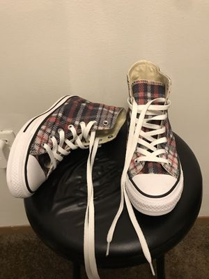 New Converse (W's 7 M's 5) for Sale in Martinsburg, WV