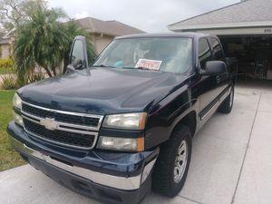 2006 Chevy Silverado 1500 4 x 4 for Sale in Bradenton, FL