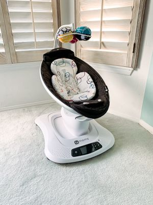 4moms mamaRoo 4 Baby Swing, high-tech Baby Rocker, Bluetooth Enabled without infant insert for Sale in Yorba Linda, CA