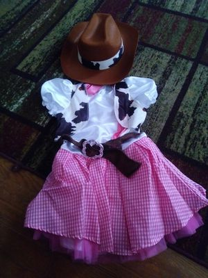Kids cow girl costume for Sale in Spartanburg, SC