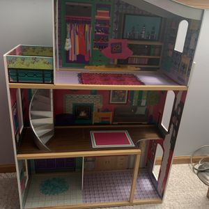 Doll House for Sale in Alsip, IL