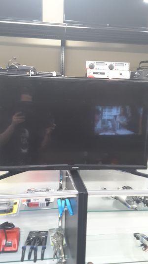 Samsung 32in led smart tv for Sale in Kansas City, KS