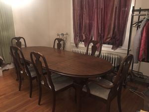 Traditional Dining set with china closet for Sale for sale  East Amwell Township, NJ