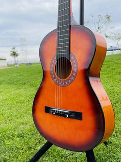 38 in Light weight student acoustic guitar color sun burst for Sale in Compton,  CA