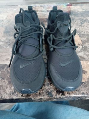 Nike shoe 5.5 for Sale in Worcester, MA