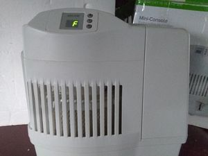 Evaporative humidifier for Sale in Fort Pierce, FL