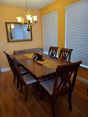 Dining room table with 5 chairs for Sale in Tracy, CA