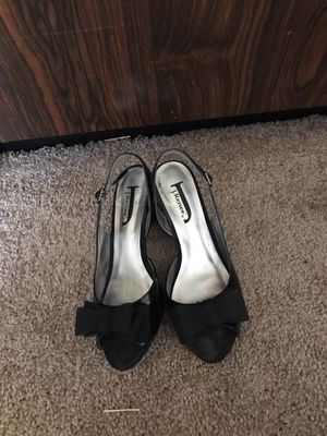 High heels size 6 for Sale in St. Louis, MO