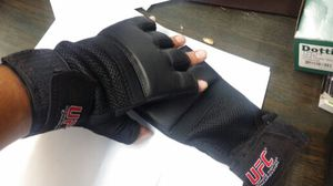 UFC boxing gel training gloves for Sale in Santa Monica, CA
