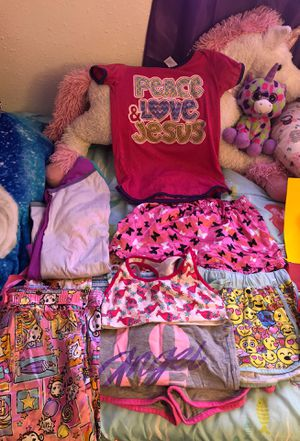 Girls night clothes gently used good condition for Sale in Hampton, VA