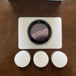 Nest 3rd gen + 3x Temp Sensors + Backing Plate for Sale in Aurora, CO