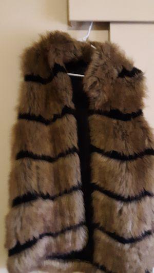 100% Faux Furr Hook Vest for Sale in Butte, MT