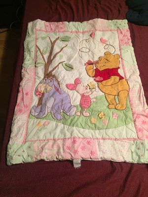 Winnie the Pooh baby blanket, 2 fitted crib sheets and a towel all for $5 for Sale in Wheeling, IL