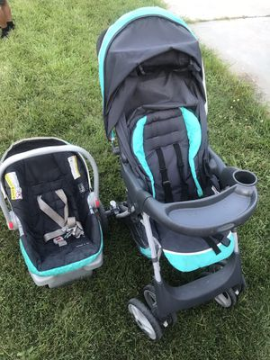 Graco Snugride stroller, car seat, base set for Sale in Kansas City, MO