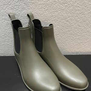 Women's Chelsea Rain Boots for Sale in Gainesville, TX