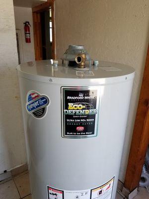 Water Heater, 50 Gallon, Gas, Bradford White Defender for Sale in Richmond, CA