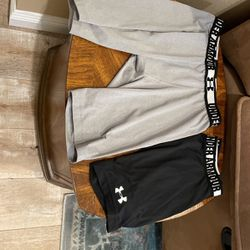 Under Armour Compression Shorts Mens' Xtra Large for Sale in Mount Baldy,  CA