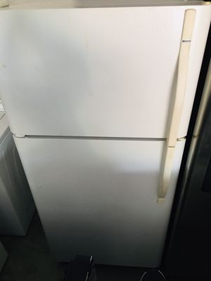 Kenmore Refrigerator top Freezer DELIVERY AVAILABLE for Sale in Mount Dora, FL