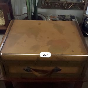Vintage Side Table for Sale in Catonsville, MD