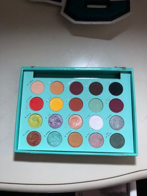 Daisy Marquez BH Cosmetic Palette for Sale in Los Angeles, CA