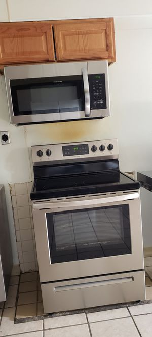 Stove & Microwave for Sale in Swatara, PA